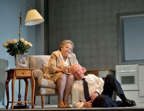 <p> El mix entre ternura y sentido del humor convierte en toda una delicia este mano a mano entre una madre y su hijo. O lo que es lo mismo: entre María Galiana y Juan Echanove. <br /><strong>Desde el 30 de octubre en el Teatro Bellas Artes, Madrid.</strong> </p>