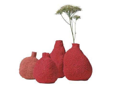 <p>Delicados jarrones Else, inspirados en el coral que la diseñadora Michal Fargo crea a partir de esponjas con resinas. ¡Divinos!&nbsp;</p>