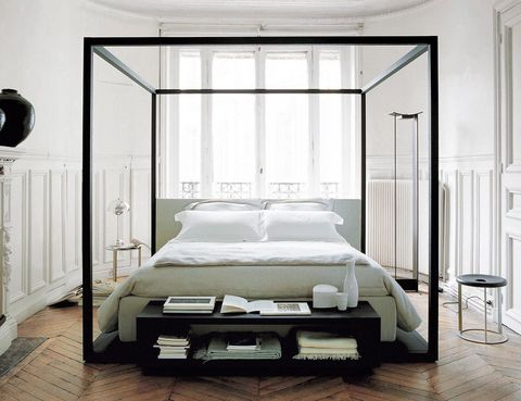 <p>La cama con dosel <i>Alcova i</i>mprime carácter. De Maxalto, desde 7.800 €.</p>
