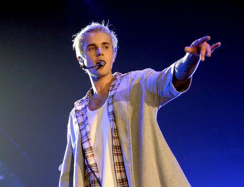 """<p><strong>Justin Bieber</strong> (<a href=""""https://twitter.com/justinbieber"""" target=""""_self"""">@justinbieber</a>) tampoco se queda mucho más atrás que Katy Perry. El artista cuenta con 77 millones de seguidores pero es <strong>la persona de la que más se habla</strong> en esta red social.</p>"""