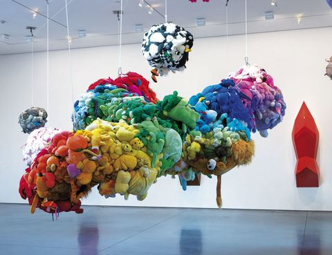 <p> El <strong>MoMA PS1</strong>, sede de este museo dedicada al arte experimental, exhibe una retrospectiva del estadounidense <strong>Mike Kelley,</strong> gran provocador y crítico de la cultura contemporánea. Uno de los creadores visuales más influyentes de los últimos 30 años, falleciótrágicamente en 2012 a la edad de 57. <br />Nueva York. Hasta 2 febrero. </p>