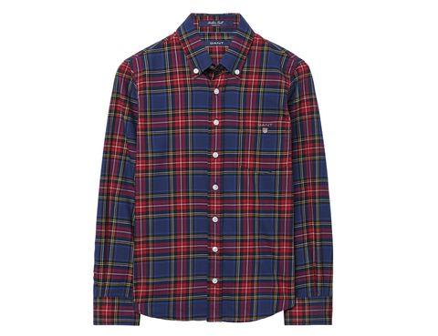 <p>Camisa ancha con estampado de cuadros (58 €). </p>
