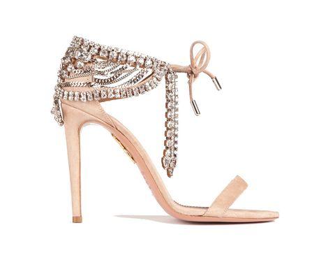 <p>Sandalias joya en color nude, con adornos de cristal inspirada en uno de los collares vintage de Olivia.</p>