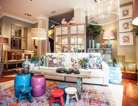"""<p>Una selecta tienda donde encontrarás todo tipo de muebles y objetos decorativos para la cocina. Manuel Quiroga, 2, Pontevedra, tel. 986 84 09 10,<a href=""""http://www.lanuevamoderna.com/"""" target=""""_blank""""> lanuevamoderna.com</a>.</p>"""