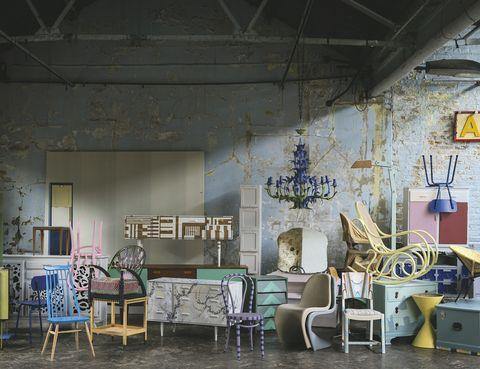 """<p>Escapan de los cuartos infantiles y se apoderan de la casa. ¡La deco se viste con los colores de moda! En Farrow&amp;Ball encontrarás el color que buscas. ¡Renueva tus muebles! <a href=""""/edicion/gallery/www-farrow-ball.com"""" target=""""_blank"""">www-farrow-ball.com</a></p>"""