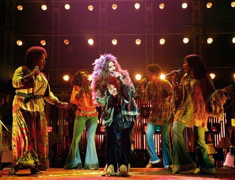 """<p>El musical 'A night with Janis Joplin' es la última incorporación al cartel de Broadway. La diva musical que fuera conocida como la Dama del blues se aparece ante tus ojos para resucitar el espíritu bohemio e inconformista de Woodstock.</p><p>María Bridget Davies tiene la difícil misión de igualar la peculiar y arrebatadora voz de Joplin en un repertorio en el que no faltarán temas como Cry Baby o Summertime.</p><p>• Lugar: <a href=""""http://www.lyceum-theatre.com"""" target=""""_blank"""">Lyceum Theatre</a> (15 W 45th St.).&nbsp;</p><p>• Fecha: Desde el 10 de octubre.</p>"""