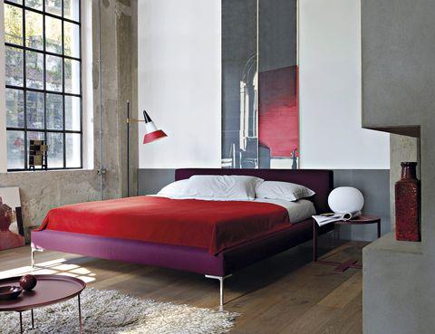 <p>Cama <i>Charles</i>, de Citterio para &nbsp;B&amp;B Italia, con nueva estructura, desde 2.300 €</p>