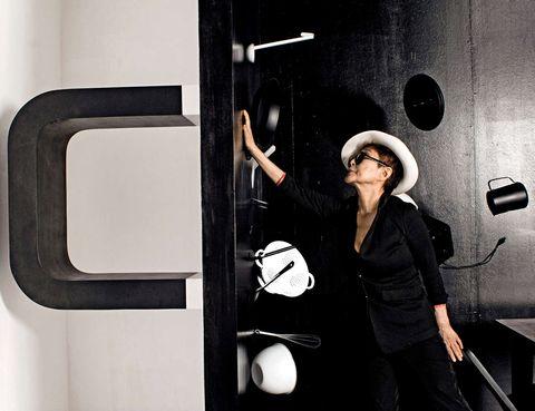 <p>Otra mujer ligada al grupo de Liverpool, <strong>Yoko Ono</strong> -cumple 80 años- exhibe su obra en el Museo Lousiana de Copenhague. Una ambiciosa retrospectiva que da cuenta de la versatilidad de una artista múltiple, pionera de la performance y de la instalación. Copenhague. <strong>Hasta el 29 de septiembre.</strong> </p>