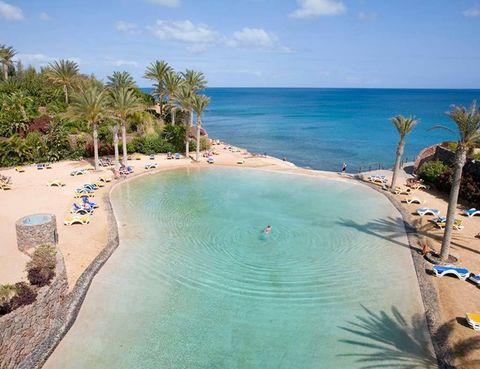 Las piscinas de hotel m s incre bles del mundo for El hotel que esta debajo del agua