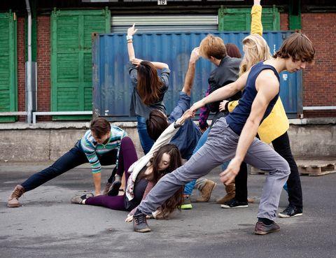 """<p>Del 7 al 9 marzo, están previstas tres performances con música en directo de <a href=""""http://www.hamburgballett.de"""" target=""""_blank"""">Young choreographers</a><a href=""""http://www.hamburgballett.de"""" target=""""_blank"""">,</a> un ciclo de danza que se convoca desde 1974 para ofrecer la oportunidad de disfrutar de nuevas creaciones en el escenario de Hamburg State Opera. En el mismo escenario, los días 6, 12, 13 y 15 se verá La sirenita, dirigida por John Neumeier.</p><p>• Lugar: <a href=""""http://www.hamburgische-staatsoper.de"""" target=""""_blank"""">Hamburg State Opera</a> (Grosse Theaterstrasse, 25).</p>"""