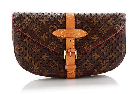 <p>De <strong>Louis Vuitton</strong> con dibujo de logos</p>