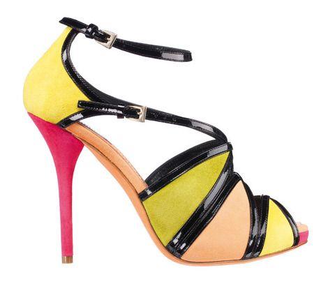 <p>Propuesta colorida en tonos ácidos y negro; en piel de<strong> Dior.</strong></p>