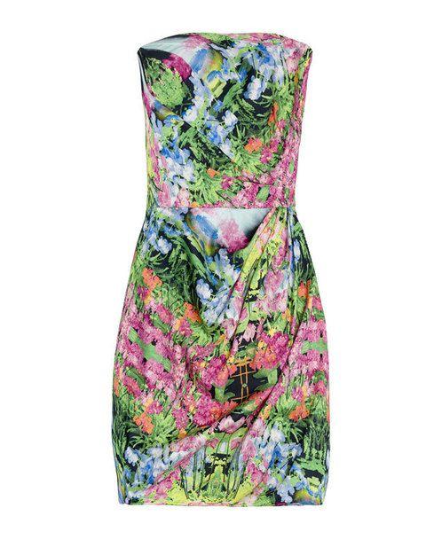 <p>Los vestidos de flores nos encantan y éste es ideal para una boda de día, por<strong> 59'95 €.</strong></p>