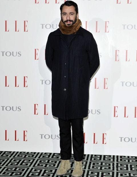 <p>No podía faltar en este encuentro tan especial el diseñador <strong>Juanjo Oliva </strong>muy abrigado de negro y con cuello de piel.</p>