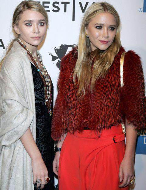<p><strong>Mary Kate y Ashley,</strong> son las más fashionistas y marcan estilo en cada una de sus apariciones. ¿Sus claves de estilo? Toques vintage y prendas de corte masculino.</p>