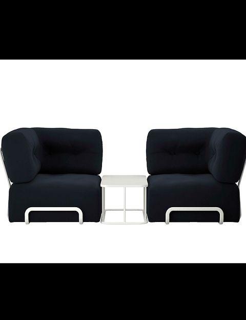 <p> <i>Rörberg</i> está inspirado en un diseño de los 70. Esta composición, con mesita, 337 €, en <strong>Ikea</strong>.</p>