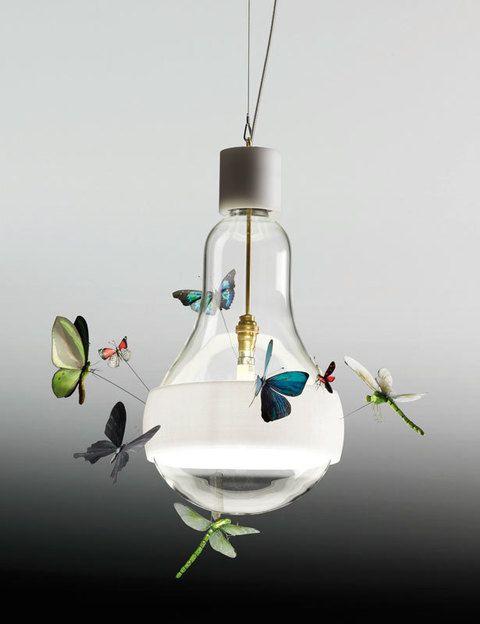 <p>¿Quién se ha posado en mi lámpara? Descúbrelo y disfruta de Johnny B.Butterfly, ¡la luz más natural! de Ingo Maurer. </p>
