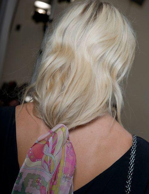 <p><strong>Claro que sí</strong>, lo importante para que este peinado te quede bien es que tu pelo no esté totalmente liso. <strong>Unas ligeras ondas</strong> además de hacer que el resultado sea mucho más bonito,<strong> te ayudarán a que la coleta no se te deshaga</strong>. Para conseguir estas ondulaciones existe el tratamiento <strong><i>Smooth Infusion Retexturizing System.</i></strong></p>