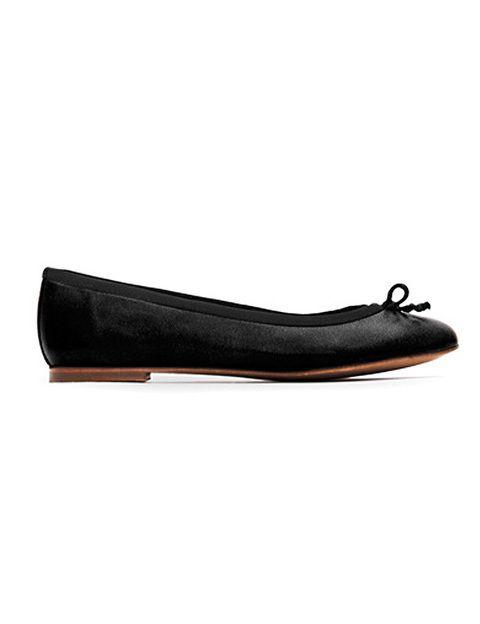 """<p>Bailarinas con lazo de <strong><a href=""""http://shop.mango.com/ES/p/mango/calzado/bailarinas--planas/touch---zapatos-bailarina/?id=56620045_02"""" target=""""_blank"""">Mango </a></strong>(49,95 euros).</p>"""