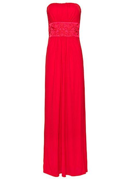 """<p>Luce tan glamourosa como la cantante americana con este vestido strapless (79,99 €) de <a href=""""http://shop.mango.com/ES/p/mango/prendas/vestidos/vestido-largo/?id=61424161_03"""" target=""""_blank""""><strong>Mango</strong></a>.</p>"""