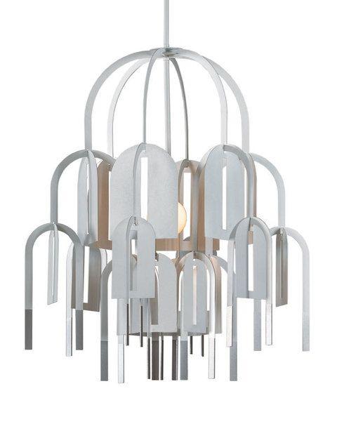 <p>Una reinterpretación de las arañas clásicas con hojas de metal. Es la lámpara Rhizome, de Arturo Álvarez, 789 €. </p>