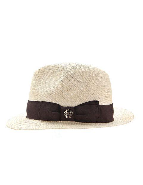<p>Sombrero con lazo.</p>