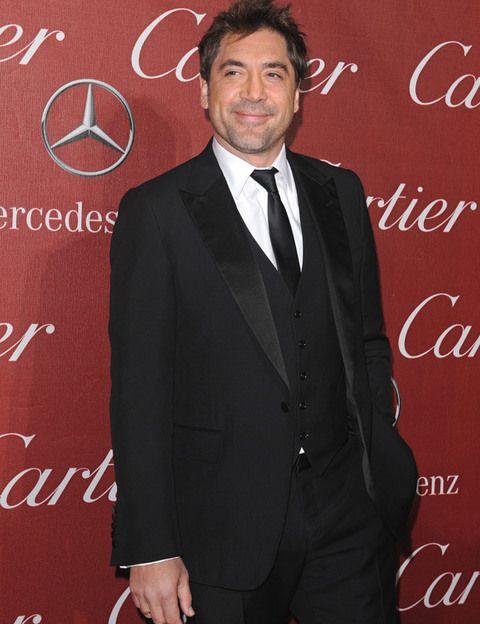 <p>Javier Bardem volverá a luchar por el Oscar gracias a su interpretación en la película del director mexicano Alejandro González Iñárritu, '<i>Biutiful'</i>. El actor ya sabe lo que es ganar un Oscar cuando obtuvo el galardón como mejor actor secundario por 'No es país para viejos'. ¿Le volveremos a ver posando con la estatuilla dorada?</p>