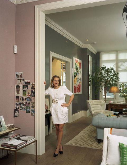 <p>Una sensación de buen humor y de alegría de vivir se percibe nada más traspasar la casa londinense de Christine D'Ornano. Compró hace pocos años esta propiedad en Notting Hill (en realidad eran dos pisos que se pusieron a la venta al mismo tiempo), junto a su marido Marzouk Al-Bader, un financiero libanés.</p>