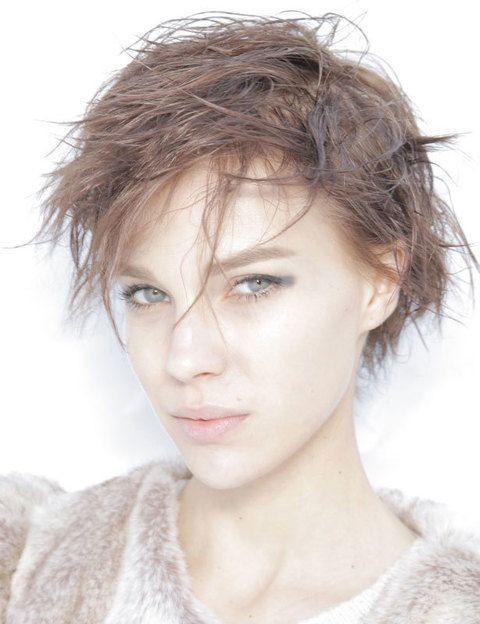 <p>Para atrevidas, un corte radical estilo<i> pixie. </i>Déjate aconsejar en la peluquería y acertarás con el que mejor te siente.</p>