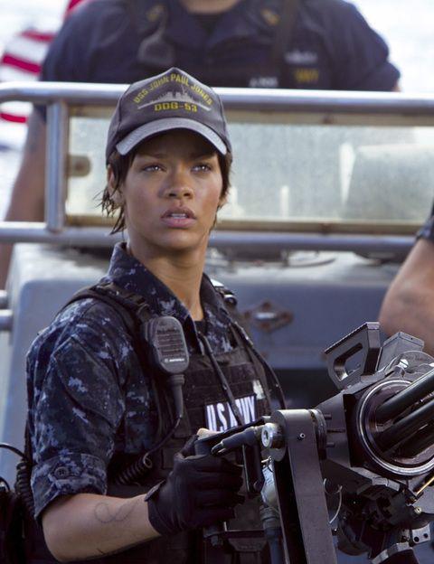 <p>Este año, concretamente en abril, veremos el debut cinematográfico de la cantante Rihanna. Será en <strong>'Battleship'</strong>, la adaptación cinematográfica del juego 'Hundir la flota' (sí, has leído bien). La actriz se enfrenta a un primer papel lleno de acción, tiros y explosiones. Esperemos que no dé el cante.</p>