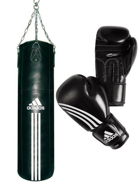 """<p>Si tu padre es de los que necesitan una descarga de adrenalina, el boxeo es el deporte idóneo. Para ello, <a href=""""http://www.adidas.es/"""" target=""""_blank"""">Adidas</a> propone su kit especial de saco y guantes, para que lo pueda practicar en casa. Su precio es 120€.</p>"""