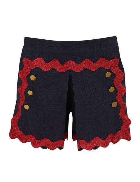 <p>Es nuestra prenda favorita de la tienda online, estos shorts ideales con <i>gross grain</i> y botones dorados. Es de la colección de <strong>Miguel Palacio</strong> y<strong> cuestan 170€.</strong></p>