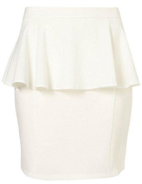 <p>Falda básica blanca de Topshop. Un color muy veraniego para mezclar con lo que quieras sin perder un ápice de tendencia.</p>