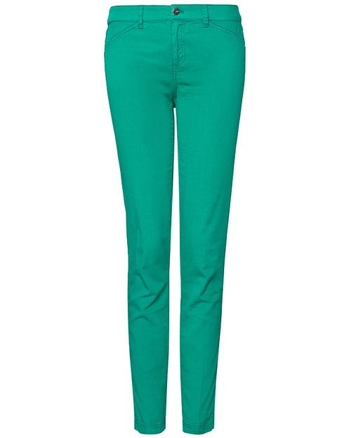 "<p>Pantalones ajustados verdes de <strong><a href=""http://shop.mango.com/ES/p/mango/prendas/pantalones/pantalon-ajustado-colores/?id=61312066_24"" target=""_blank"">Mango</a>&nbsp;</strong>(19,99 euros).</p>"