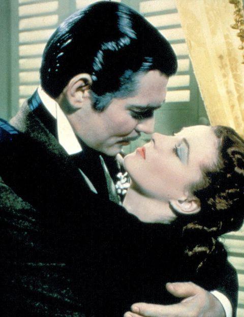 <p><strong>LO QUE EL VIENTO SE LLEVÓ (1939). </strong>Los personajes de Scarlett O'Hara (Vivien Leigh) y Rhett Butler (Clark Gable) demostraron que del odio al amor hay sólo un paso. Cuatro horas de tira y afloja convirtieron a 'Lo que el viento se llevó' en uno de los grandes -y más largos- romances del cine.</p>