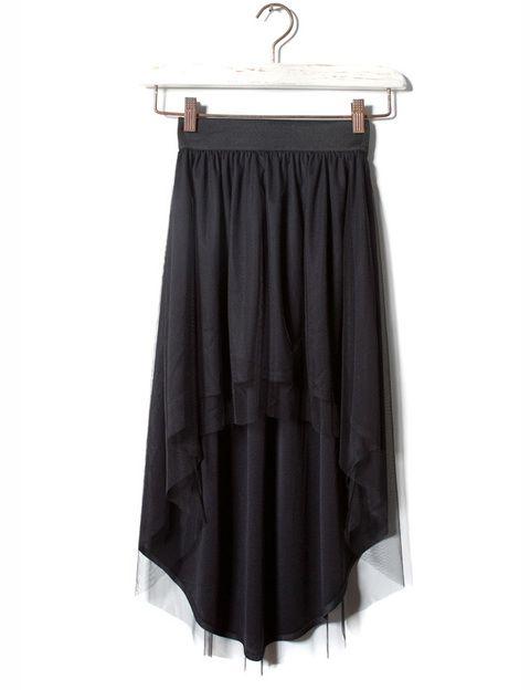 <p>Con tul y asimetrías degradadas, esta falda de <strong>Pull&amp&#x3B;Bear </strong>queda genial con un jersey de lana grueso.</p>