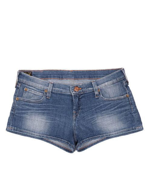 <p>Shorts básicos<i> denim.</i></p>