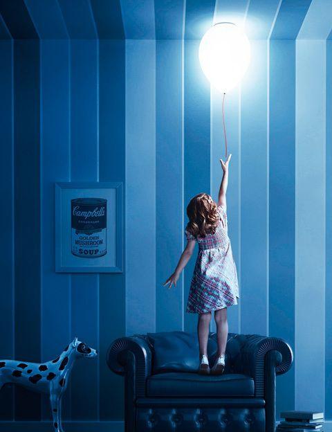 <p>¿A quién no se le escapó un globo de niño? Lo bueno de esta lámpara, Balloon, es que no vuela, se queda en el techo. Es de Estiluz.</p>