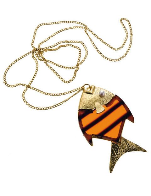 <p>Collar con colgante maxi (8,95 euros).</p>