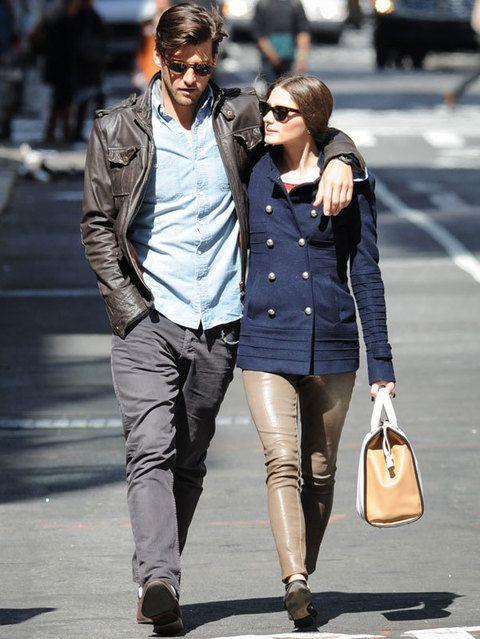<p>En un photocall, en la alfombra roja o simplemente dando un paseo por la calle. Esta pareja derrocha estilo por todas partes.</p>