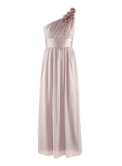 <p>Un vestido de boda más prototípico a un precio atípico: <strong>39'95€.</strong> &nbsp;</p>