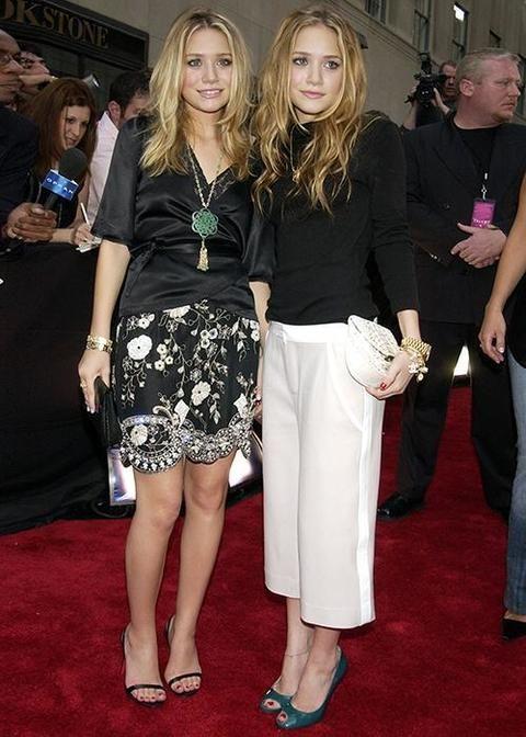 <p>Dónde: MTV Video Music Awards 2003.</p><p>Qué llevaban: Outfits en blanco y negro con joyas XL.</p>