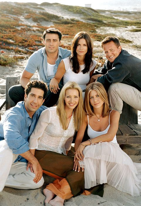<p>De 1994 a 2004 fue Rachel Green en <i>Friends,</i> la exitosa serie que la convirtió en un sex-symbol. En la imagen la vemos en los primeros años de emisión juntoa a sus compañeros de reparto.</p>