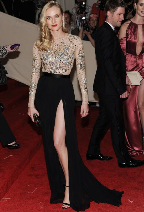 <p><strong>Diane Kruger</strong> tiene estilo y cuerpazo suficiente como para apuntarse a esta tendencia, y lo hace con un<strong> Jason Wu</strong> con cuerpo joya en nude y falda negra.</p>