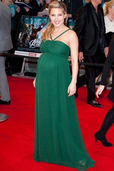 <p>Así de estupenda &nbsp;apareció Elsa Pataky&nbsp;en el estreno de 'Los vengadores' en Londres con un vestido largo verde de <strong>Hoss Intropia</strong> y un favorecedor semirecogido con trenza.</p>
