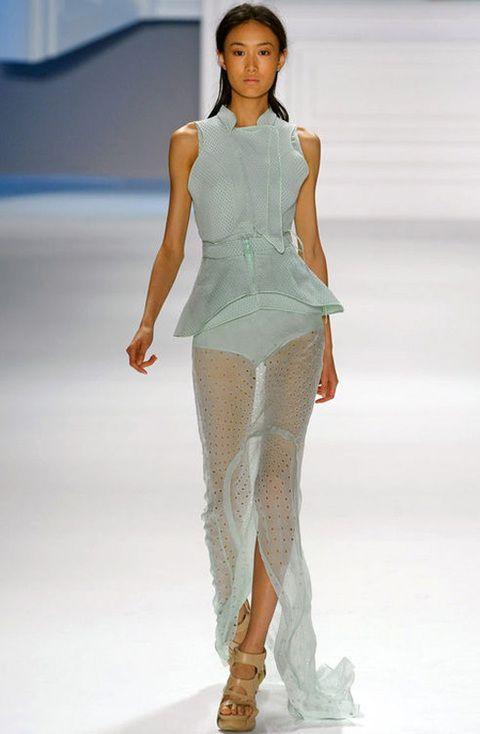 <p>Transparente modelo mint de<strong> Vera Wang</strong> primavera-verano 2012.</p>