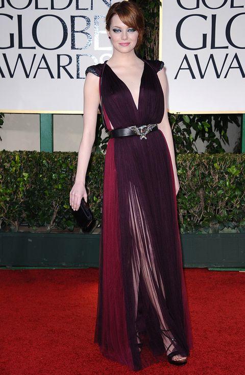<p>Sin duda una de nuestras favoritas de la noche,<strong> Emma Stone c</strong>on este <strong>Lanvin</strong> bicolor de corte griego y pronunciado escote en el que destacaba su cinturón con detalle dorado.</p>