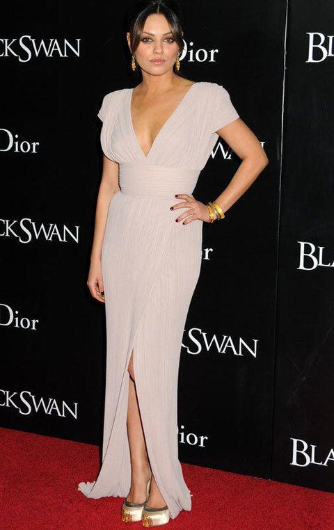 <p>Cuando quiere acertar, Mila Kunis lo tiene claro, <strong>Elie Saab</strong>. Especialmente nos gustó este modelo primavera 2001 en rosa palo que llevó al estreno de 'Cisne Negro' en Nueva York.</p>