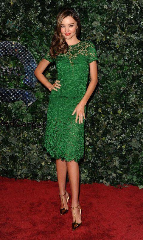 <p><strong>Miranda Kerr</strong> eligió un vestido verde intenso con bordados para una de las fiestas en el Four Season Hotel.</p>