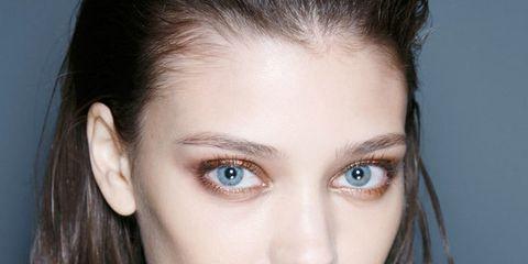Lo último: maquillaje metalizado